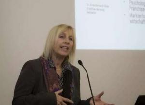 Dr. Erika Bernardi-Glatz